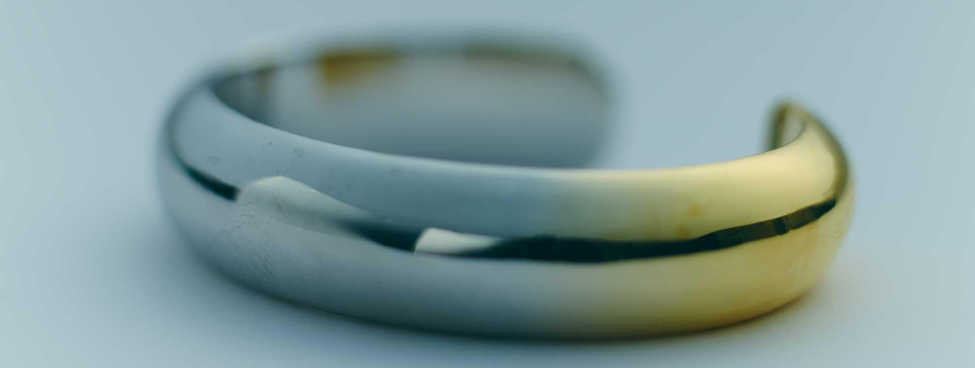 round wide cuff