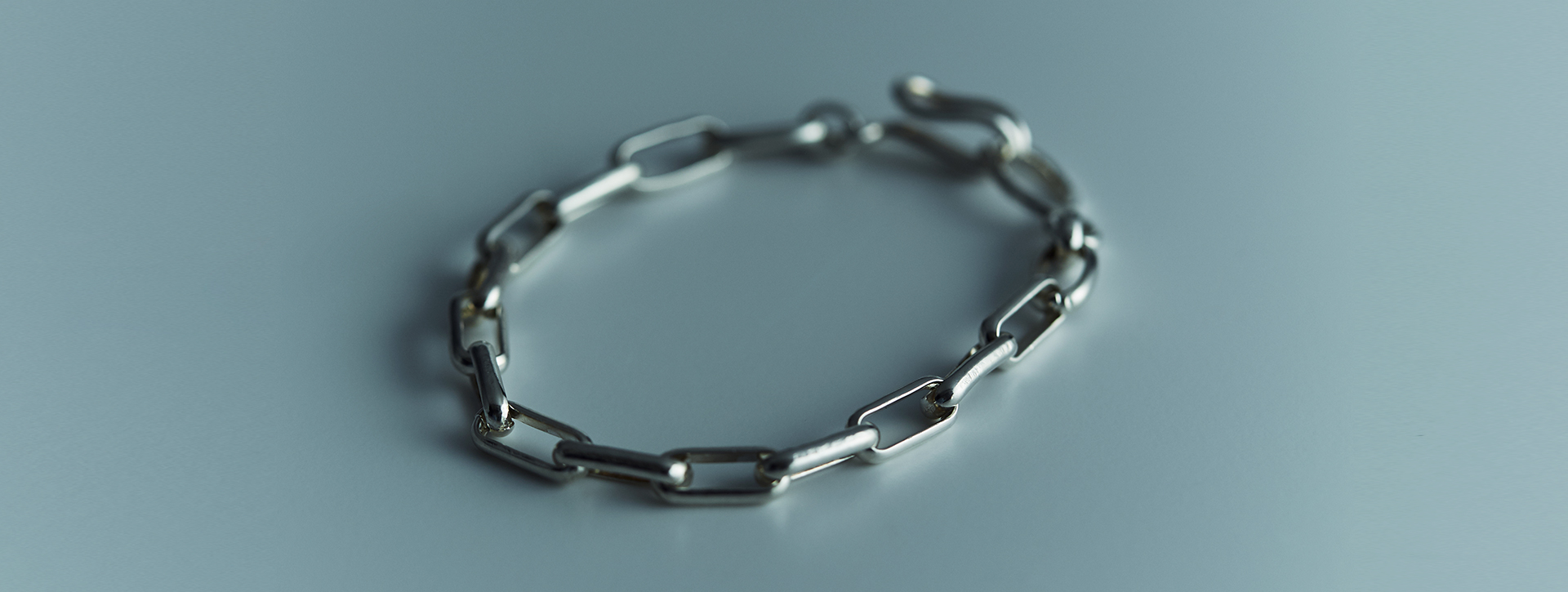 wire link chain bracelet